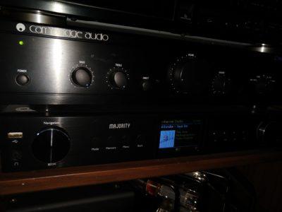 Angeschlossen an die heimische Stereoanlage: Der Digitalradio-Tuner Majority Fitzwilliam 2
